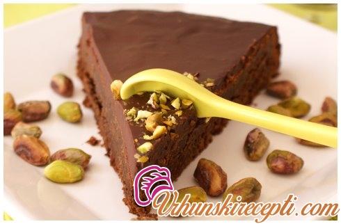 Čokoladna torta sa pistaćima