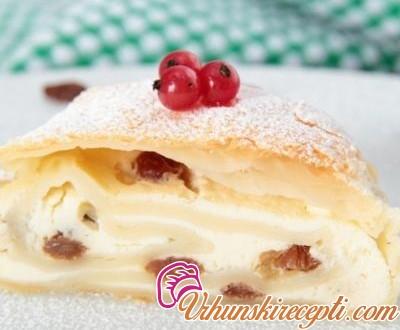 Štrudla torta sa slatkim sirom i groždjem